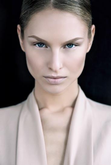 Alica Modelo rubia ojos azules ciao models (1)